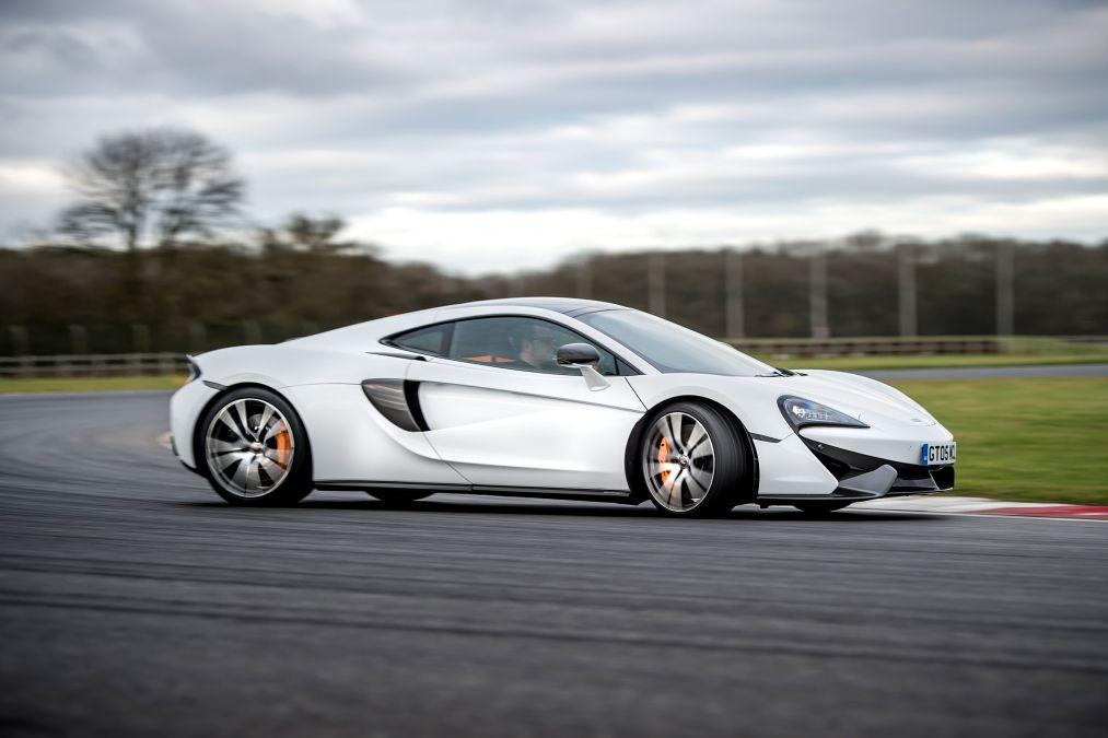 2018 McLaren 570GT 10