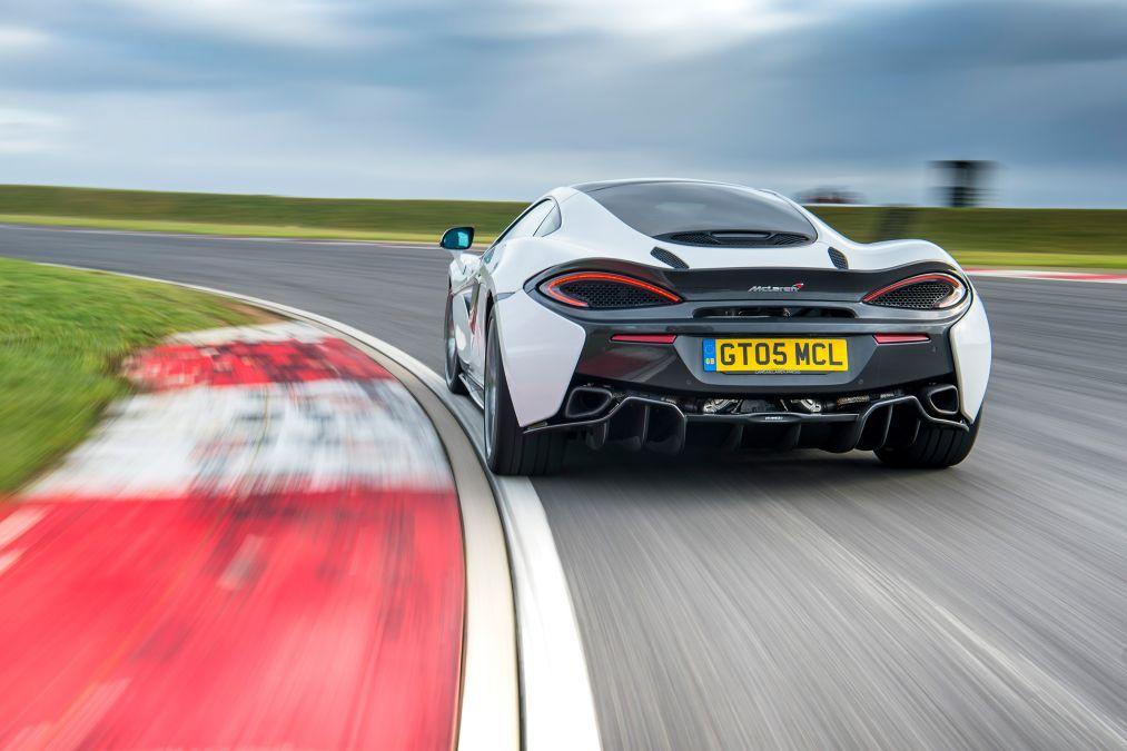 2018 McLaren 570GT 11