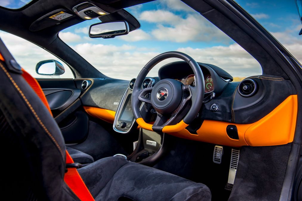2018 McLaren 570GT 12