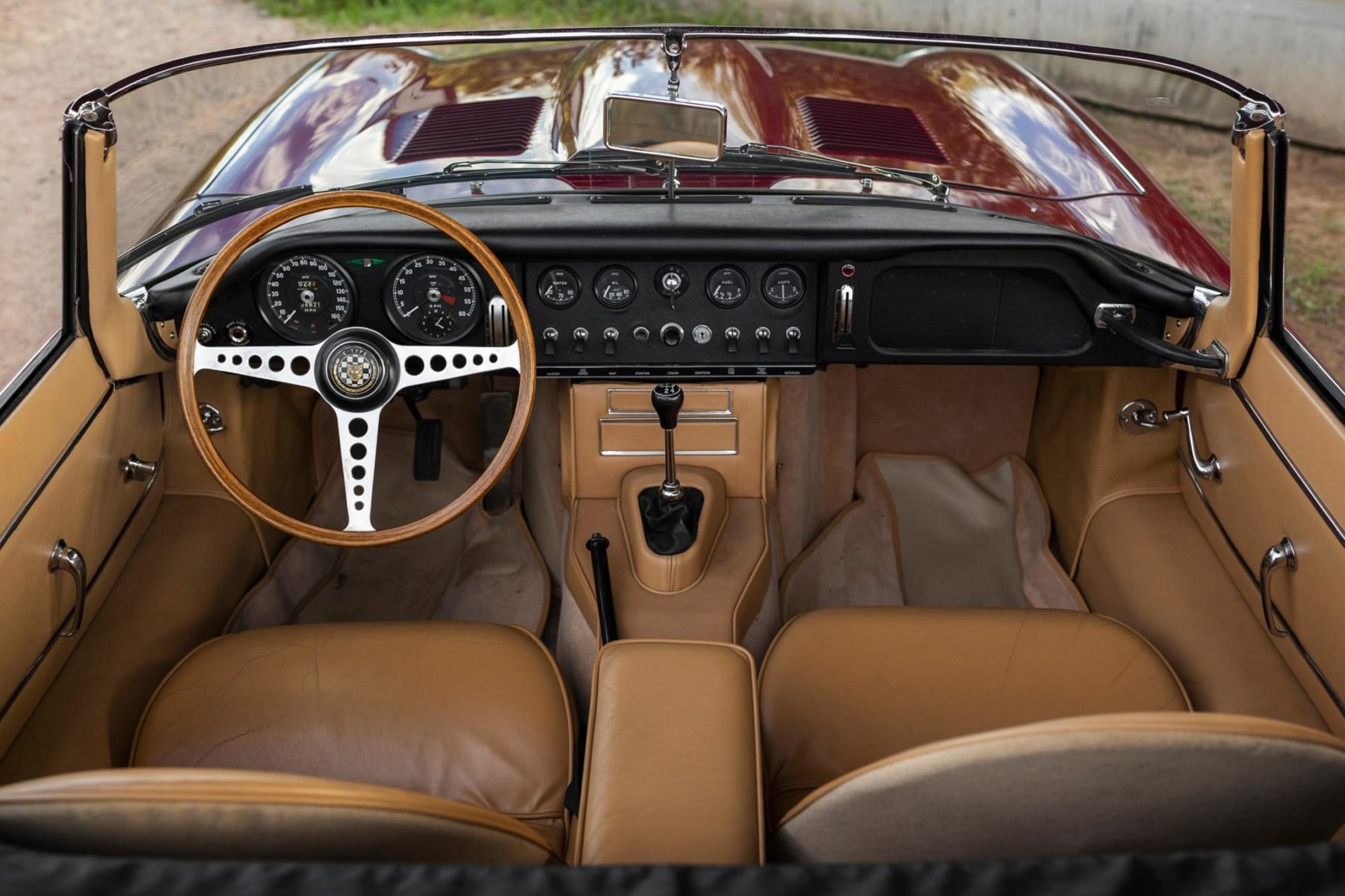 1964 Jaguar XKE Series I 3.8 Roadster 11