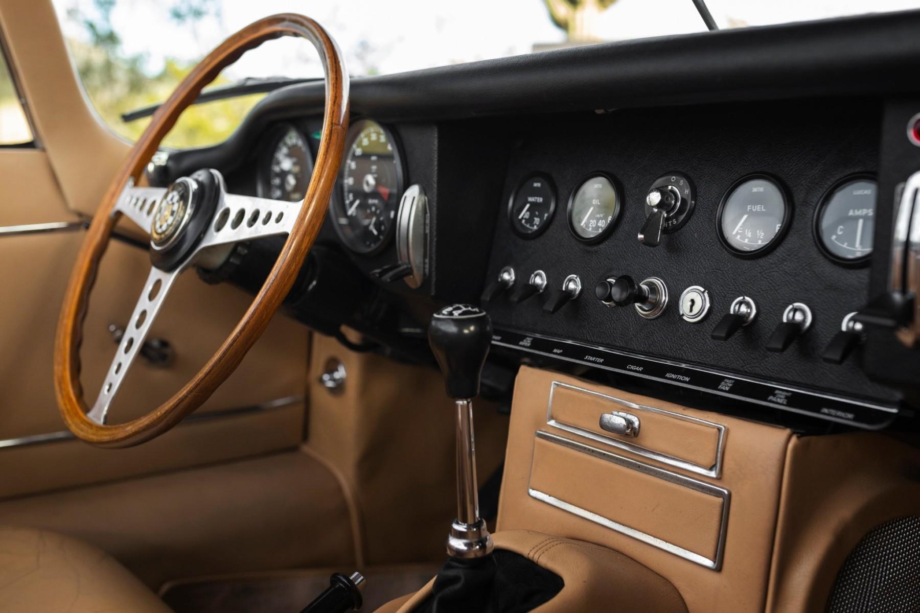 1964 Jaguar XKE Series I 3.8 Roadster 8