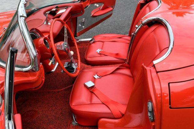 1961 Chevrolet Corvette 327 4-Speed (Fuel Injected) 6