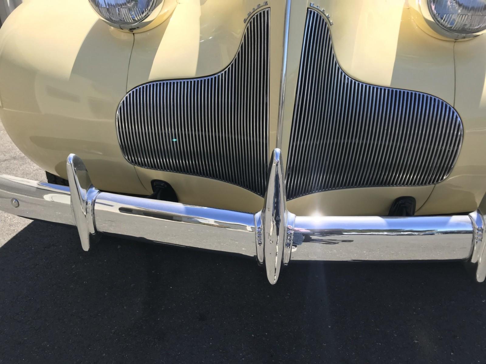 1939 Buick Roadmaster Phaeton Convertible 81-C 12