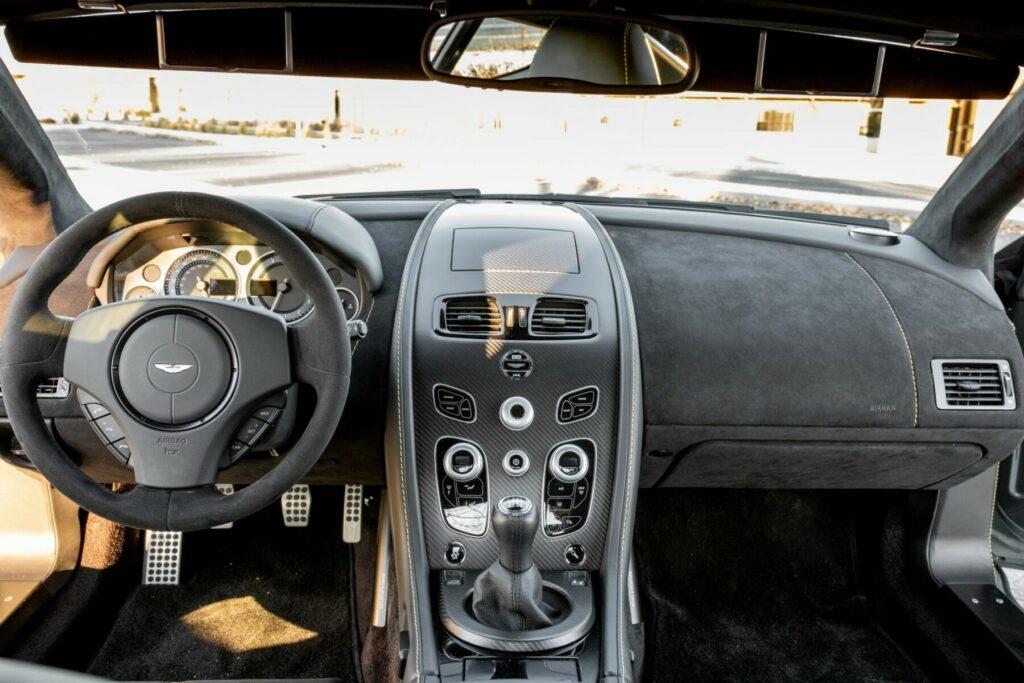 2017 Aston Martin V12 Vantage S 7-Speed 6